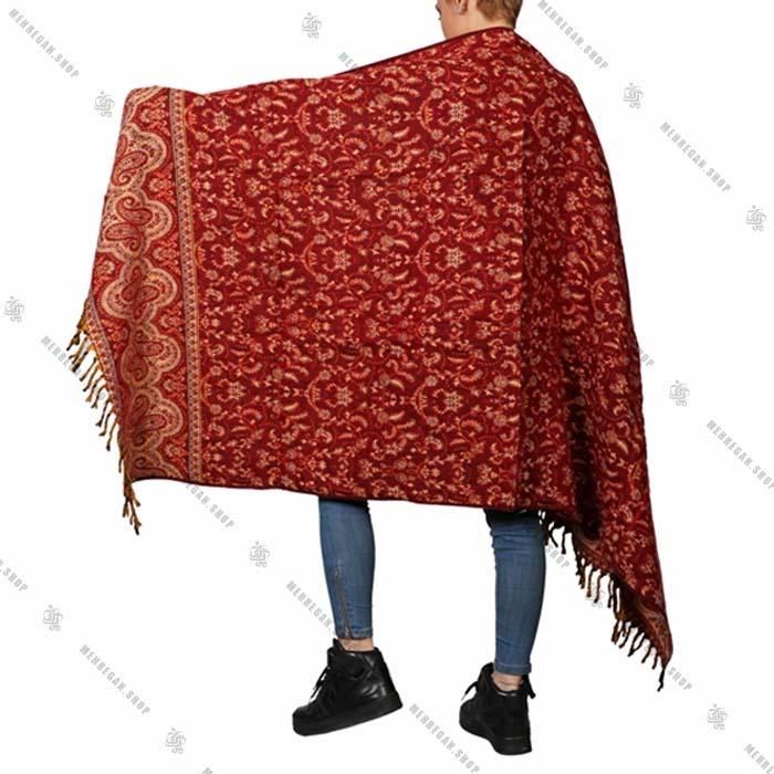 شال رودوشی و رویه لباس قرمز