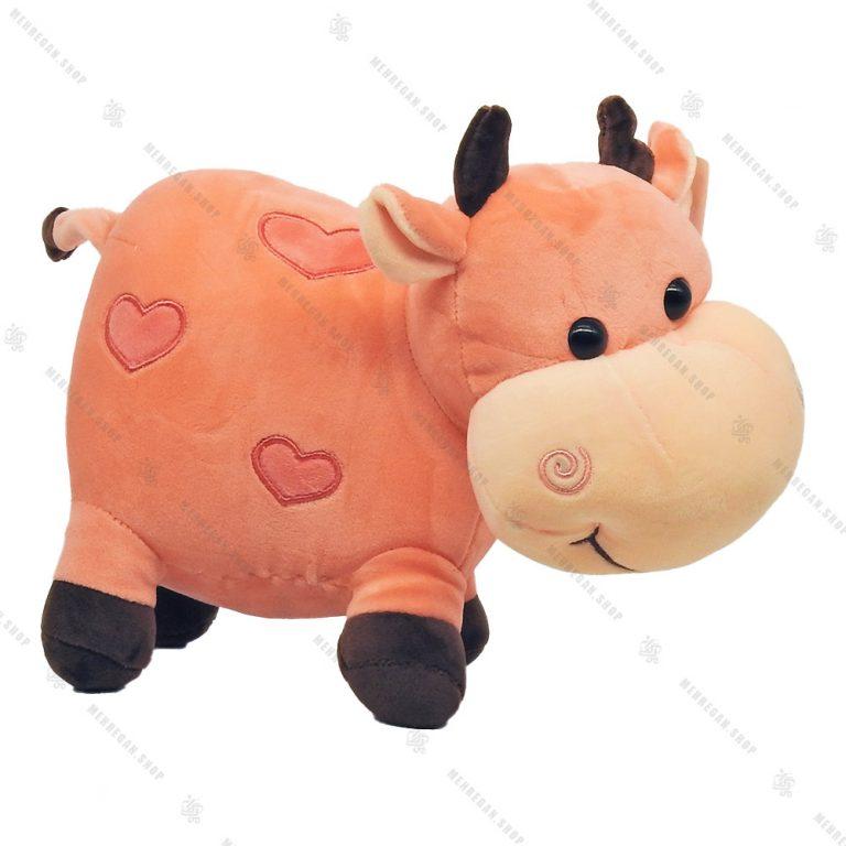 عروسک گاو پولیشی صورتی با خال های قلبی