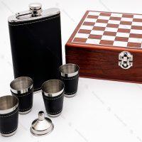 ست شطرنج و فلاسک جیبی چرم مشکی
